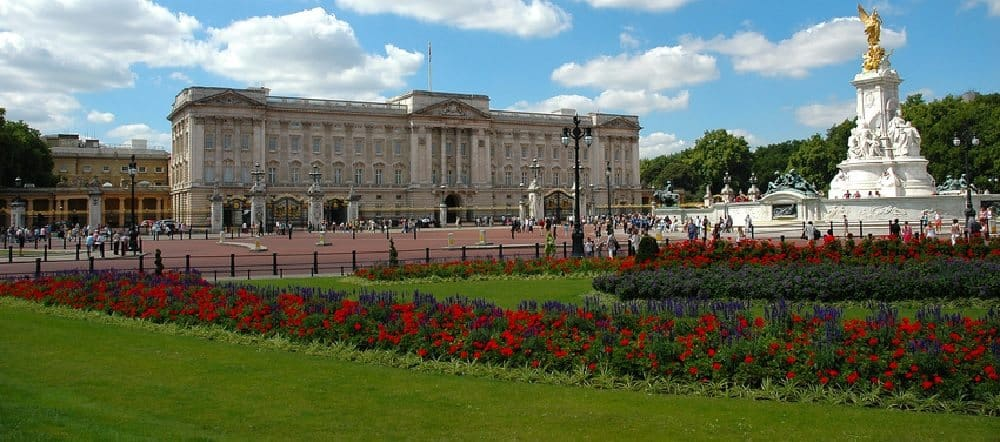 Things to see near buckingham palace royal london tour